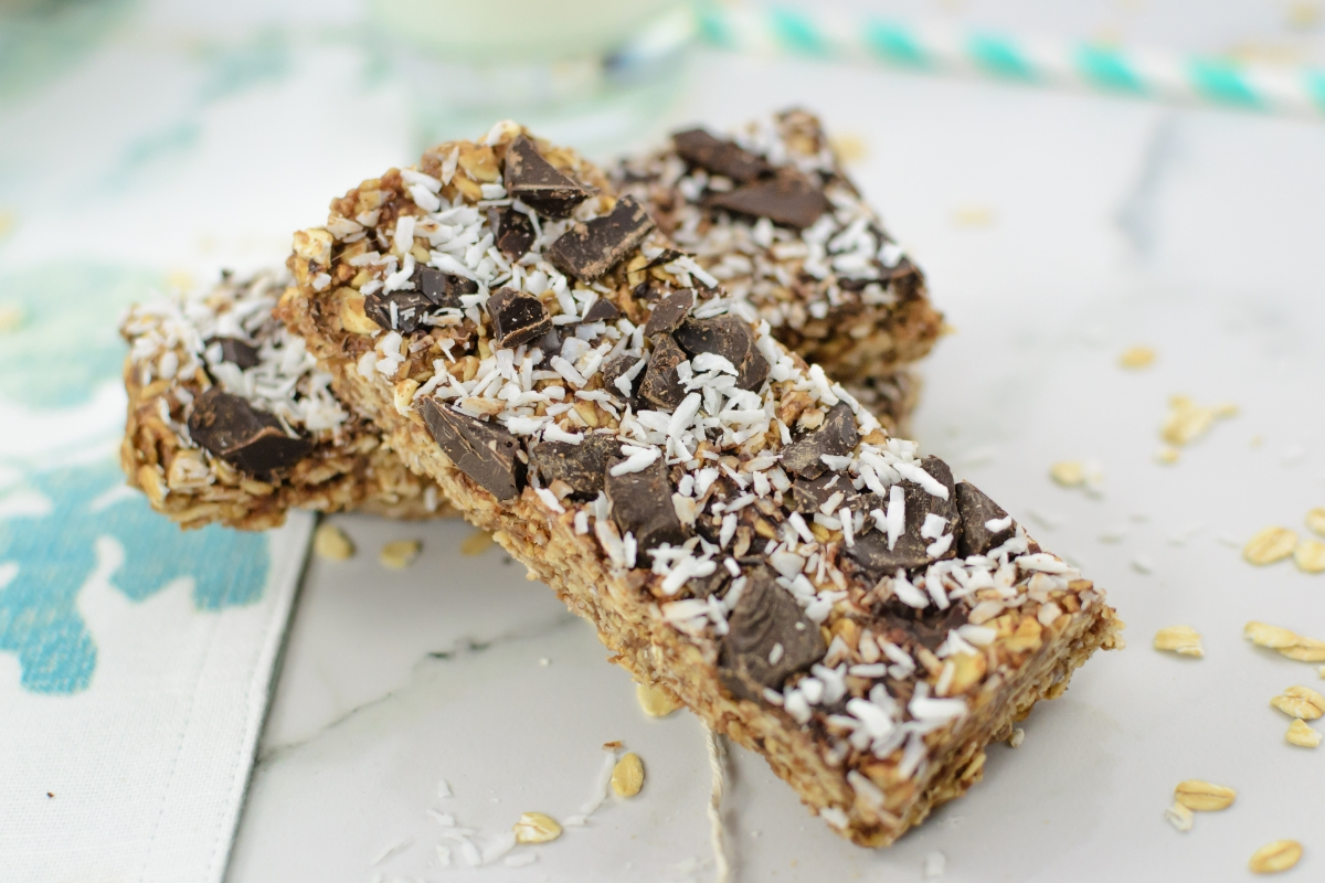 Chewy Dark Chocolate + Coconut Granola Bars